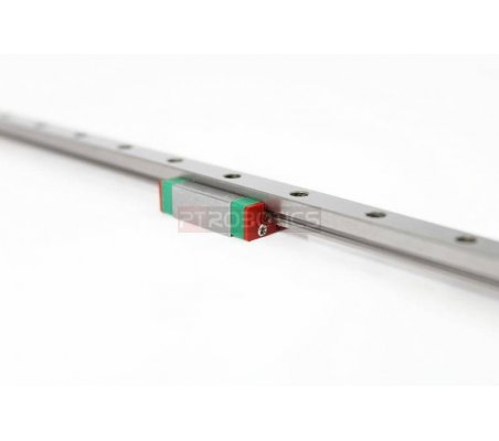 MakerBeam 300mm linear slide rail and carriage